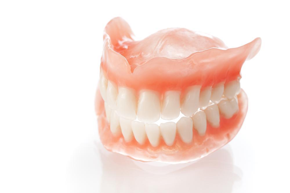 Сколько стоит зубной протез на один зуб